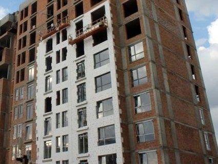 У Львові з 13 поверху зірвався будівельник