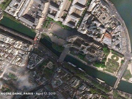 Настоятель Собору Паризької Богоматері назвав причину пожежі