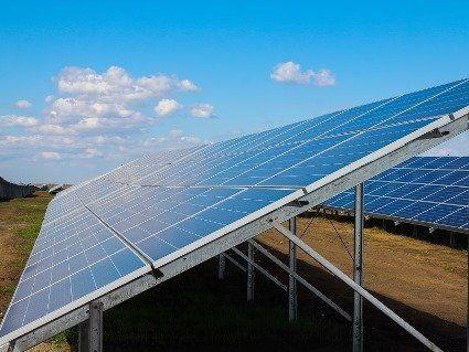 Найбільша сонячна електростанція України побудована виключно за гроші інвесторів
