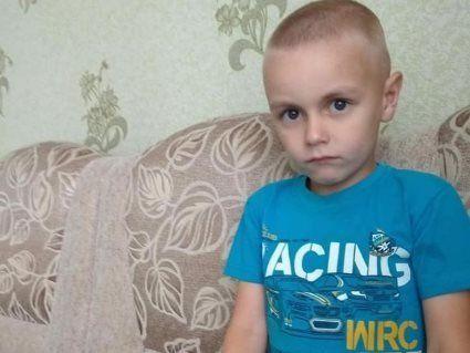 У Луцьку шестирічний хлопчик випав з 5 поверху – мама благає про допомогу
