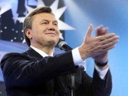 Янукович з-за «порєбріка» привітав Зеленського із перемогою