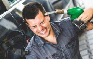 В Україні знов подорожчав бензин та дизпальне