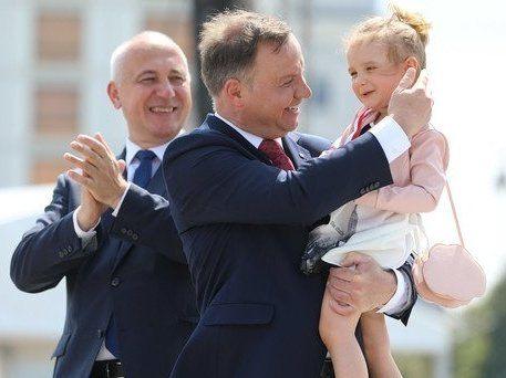 Пороблено: кортеж президента Польщі знову потрапив у ДТП