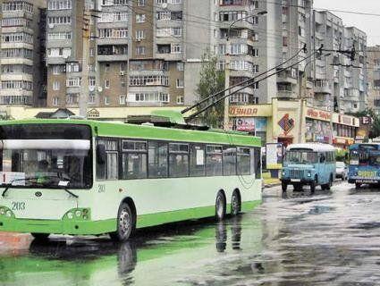 У Луцьку у Великодню ніч тролейбуси курсуватимуть цілу ніч