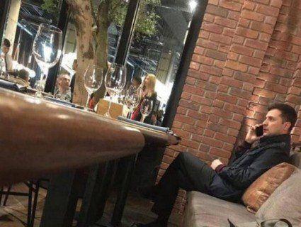 «Зниклий» Зеленський, якого не бачили з неділі, знайшовся у столичному ресторані (фото)