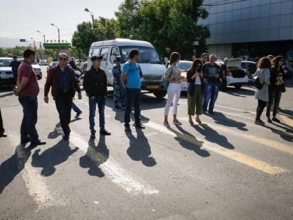 Рівненські лікарі погрожують перекрити центральну дорогу міста