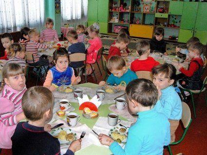 На Волині дітям із малозабезпечених сімей відмовили у безкоштовному харчуванні