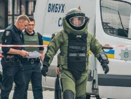 У Києві замінували Кабмін, Верховну Раду і вокзали: людей евакуюють
