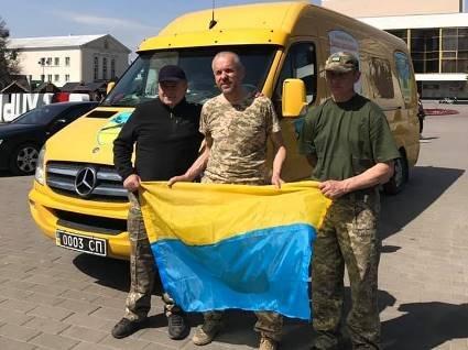 На Донбасі ласували великодніми подарунками з Волині (фото)