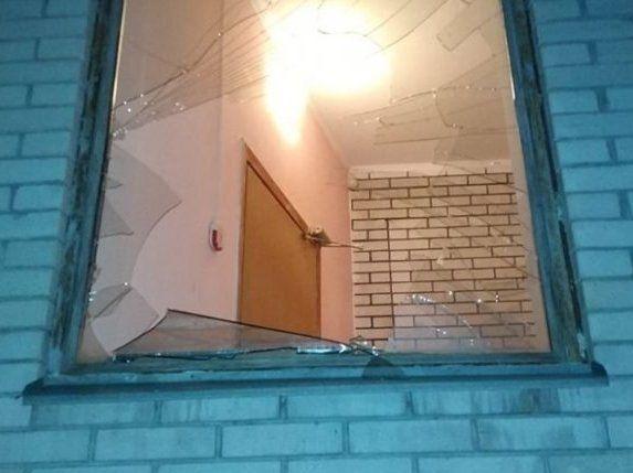 Злодій невдаха ледь не замерз на смерть, заховавшись від поліції в холодильнику (фото)