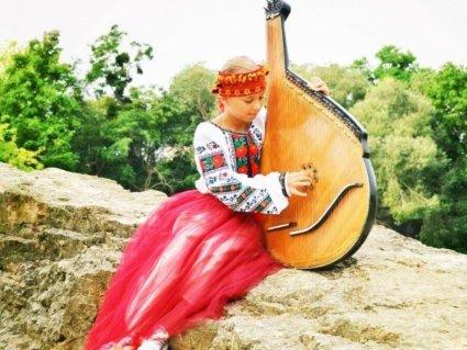 Наймолодша композиторка України пише музику вже у 8 років (відео)