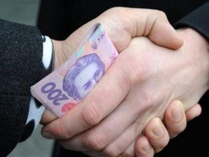 У Луцьку п'яний за кермом пропонував поліцейському 500-гривнений хабар (фото, відео)