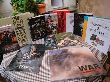 Вперше в Україні: на Львівщині стартував форум військових письменників
