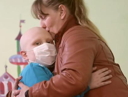 Страшна статистика: щодоби три мами в Україні дізнаються, що у їхніх дітей рак