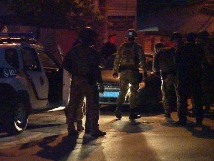 Рейдерство: у Вінниці затримали 50 молодиків, які захопили завод (фото, відео)