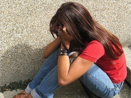 На Черкащині батько знущався з дочки-школярки: жорстоко бив і змушував дивитися порно