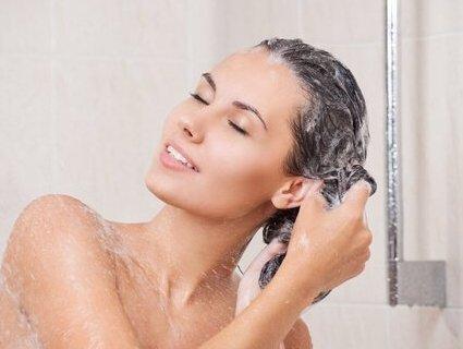 Як подолати проблему жирного волосся: народні засоби