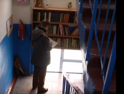 У під'їзді – своя бібліотека: що читають жителі Сум