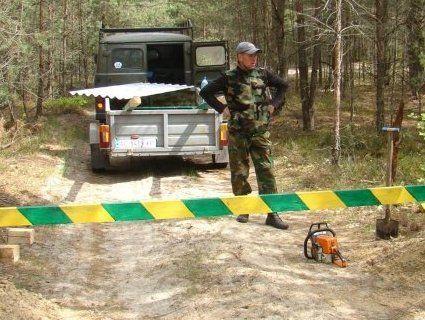 У деяких волинських лісах встановили шлагбауми (фото)