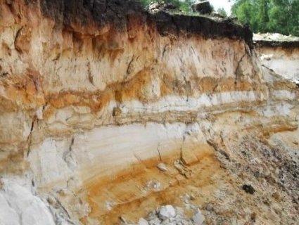 На Рівненщині через зсув піску загинув підліток