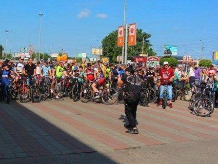 «Велодень» у Луцьку: понад три тисячі учасників проїхалося містом (фото)