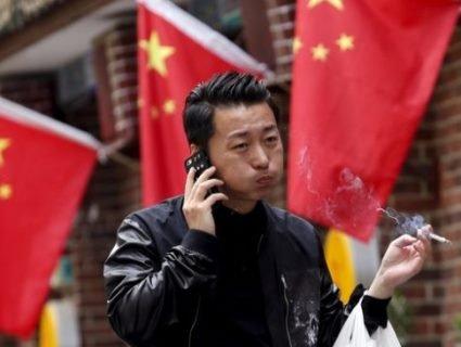 «Бадабум!»: китаєць дізнався, що буває, коли впустиш запальничку в суп (відео)
