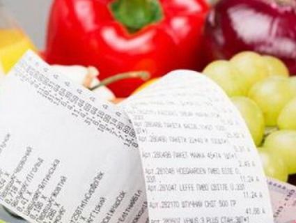 Харчові уподобання: на що українці в різних регіонах тратять найбільше