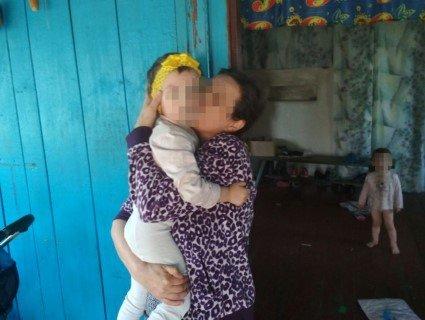 Жах на Житомирщині: батьки-алкоголіки убили і спалили дитину в печі (фото)