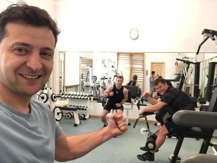 «Зе-кубики»: Зеленський показав, як з Богданом качає м'язи в Адміністрації Президента