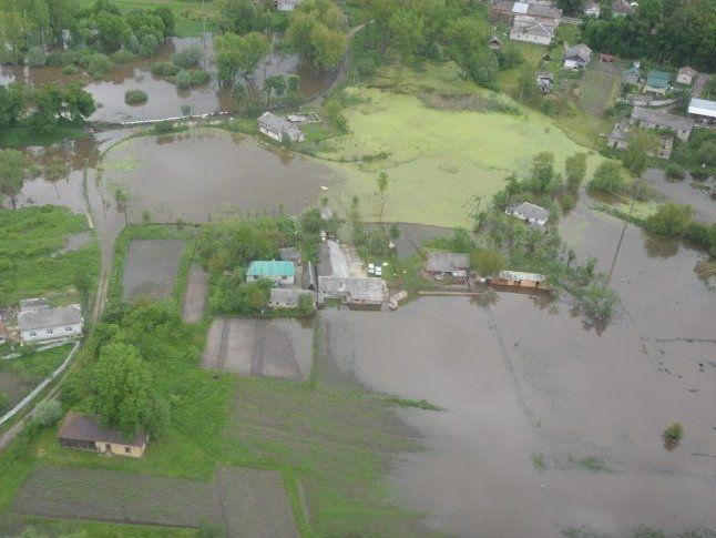 Під водою 3 міста і десятки сіл: наслідки повені на Прикарпатті (фото, відео)