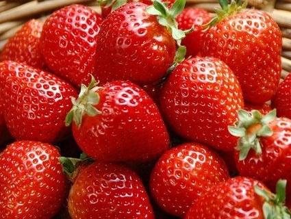 Спокуслива ягідка: як смакувати полуницями з користю