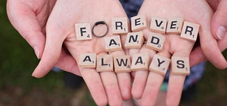 Мак або жерсть: як святкувати та що дарувати на восьму річницю весілля