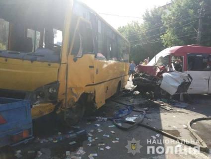 На Київщині масштабна ДТП із маршрутками – 26 потерпілих (фото)