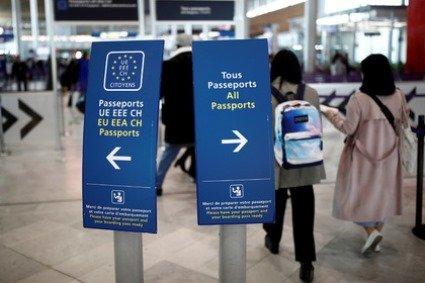 Слухняним туристам  Євросоюз спростив умови отримання візи
