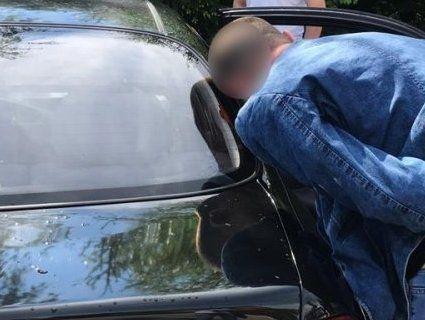 На Львівщині начальника поліцейського відділу затримали на хабарі у 2,5 тисячі доларів (фото)