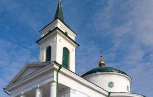 На Київщині від блискавки загорілася церква