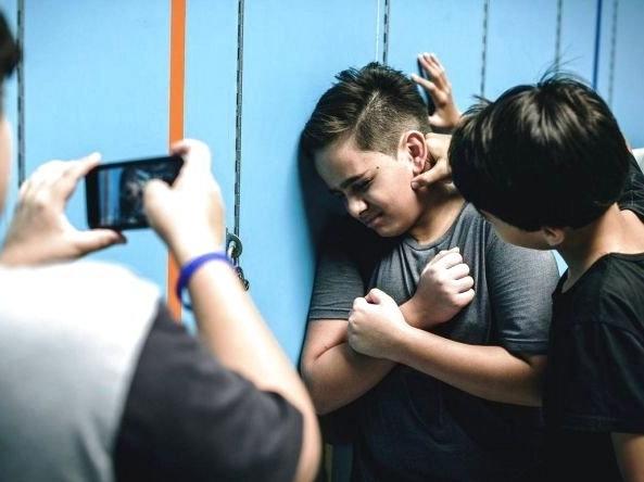У школі поблизу Луцька підліток цькував 5-класника (відео)
