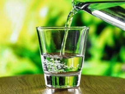 Які недуги викликає зневоднення та скільки води потрібно пити для хорошого самопочуття