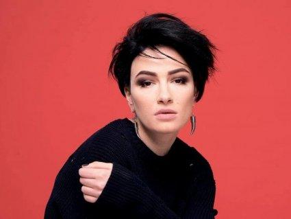 Ряди шоу-бізу рідіють: ще одна співачка подалася в політику