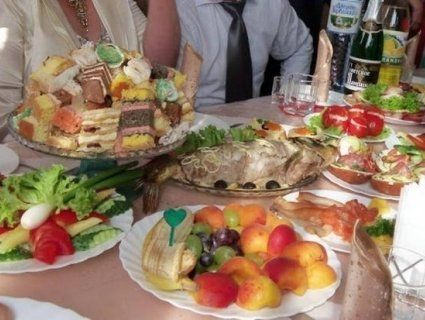 У Львові 39 осіб потрапили в лікарню, отруївшись на весіллі