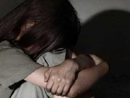 У Києві чоловік регулярно ґвалтував 9-річну доньку співмешканки