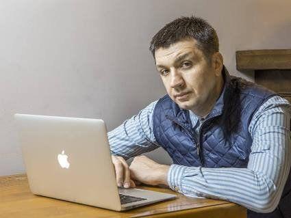 Ведучий 1 + 1 Сергій Іванов йде на вибори від «Слуги народу»