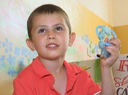 На Одещині 5-річна дитина  блукала опівночі по селі, бо мама розважалася (відео)