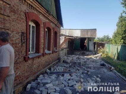 В Мар'їнці обстріляли будинки: постраждала 9-річна дитина