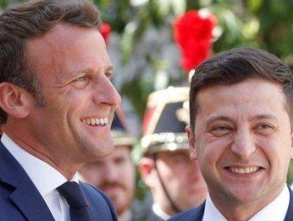 Зеленський зустрівся з Макроном у Парижі (відео)