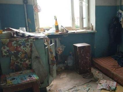 Лучанин перетворив квартиру на сміттярку (фото)