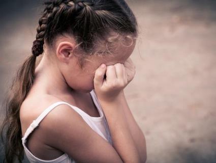 На велосипеді заїхала у двір педофіла: деталі розбещення 5-річної дитини на Волині