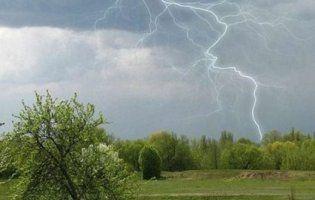 В Україні кінець тижня відзначитись холодною погодою з грозами – синоптик