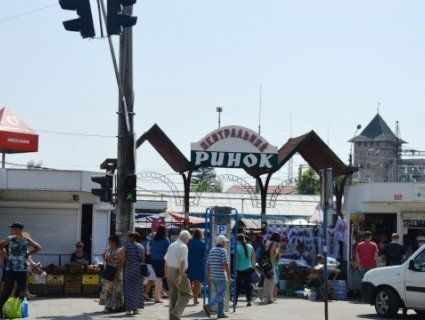 «Треба молитися, а не по базарах ходити»: в Луцьку хочуть закрити ринки в неділю