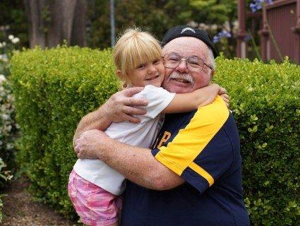 На Запоріжжі неуважний дідусь «викрав» із дитсадка чужу внучку